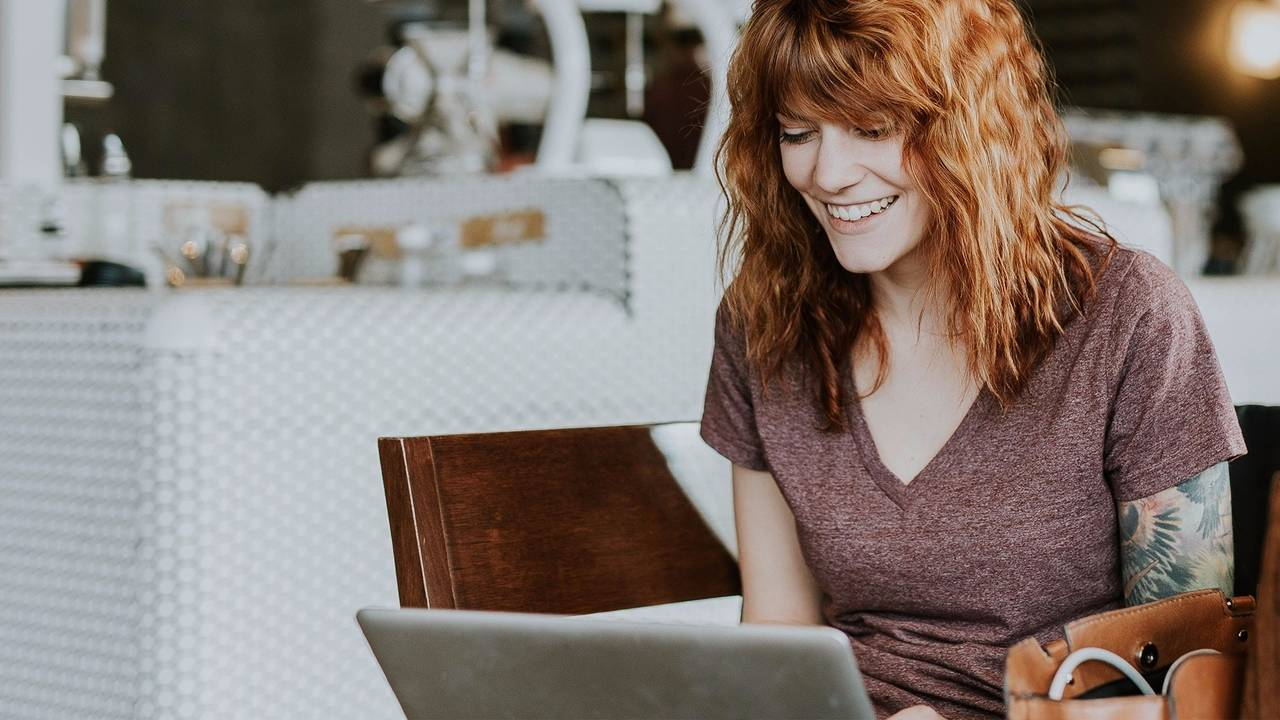 How To Host Live Webinars With Confidence