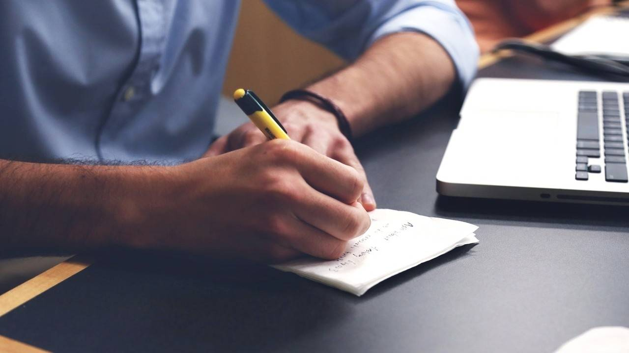 How to Write Good Email Content: 17 Tips For Writing Effective Emails