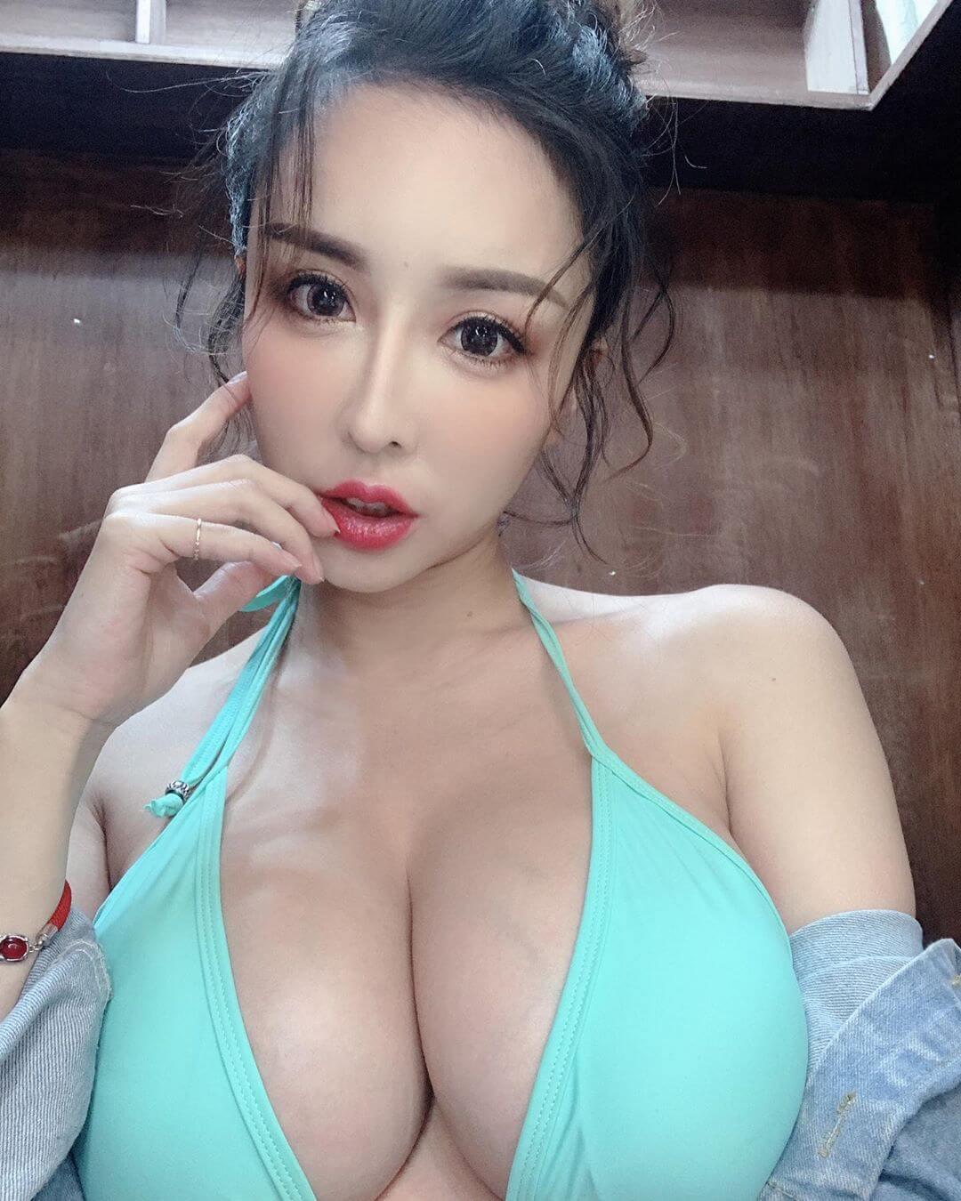 方祺媛 - 雪碧