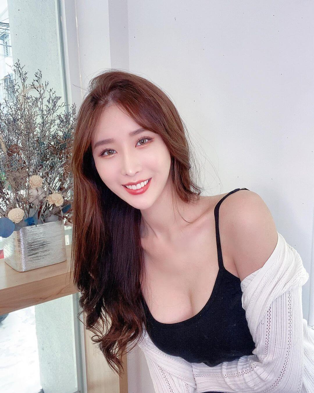Aikyo 鄭若青