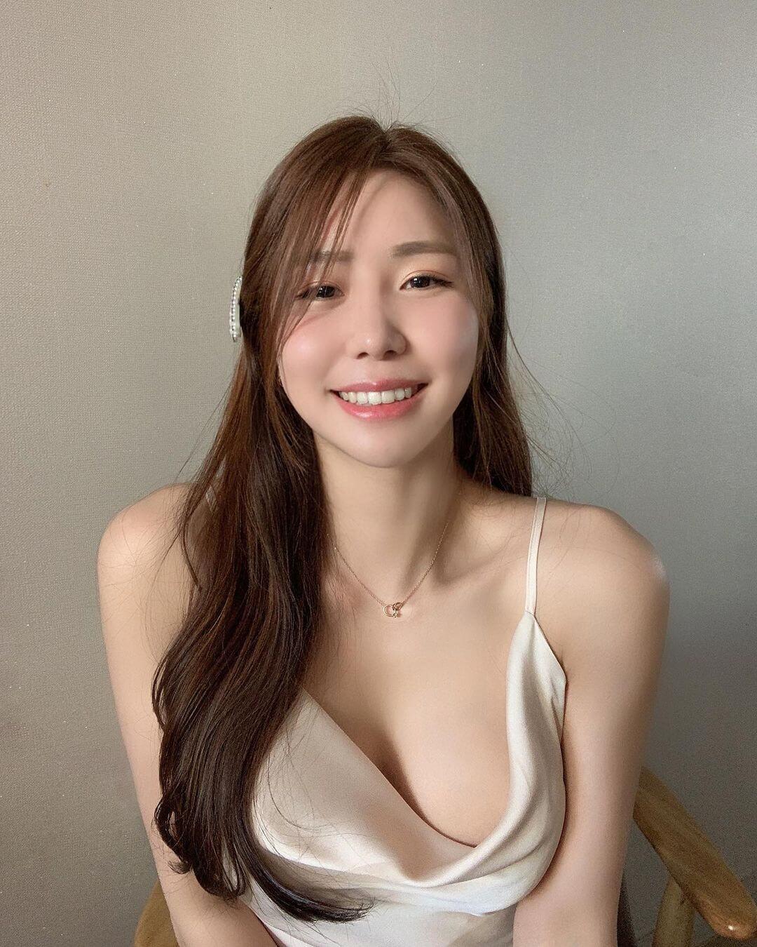 나나윤 Nana.un