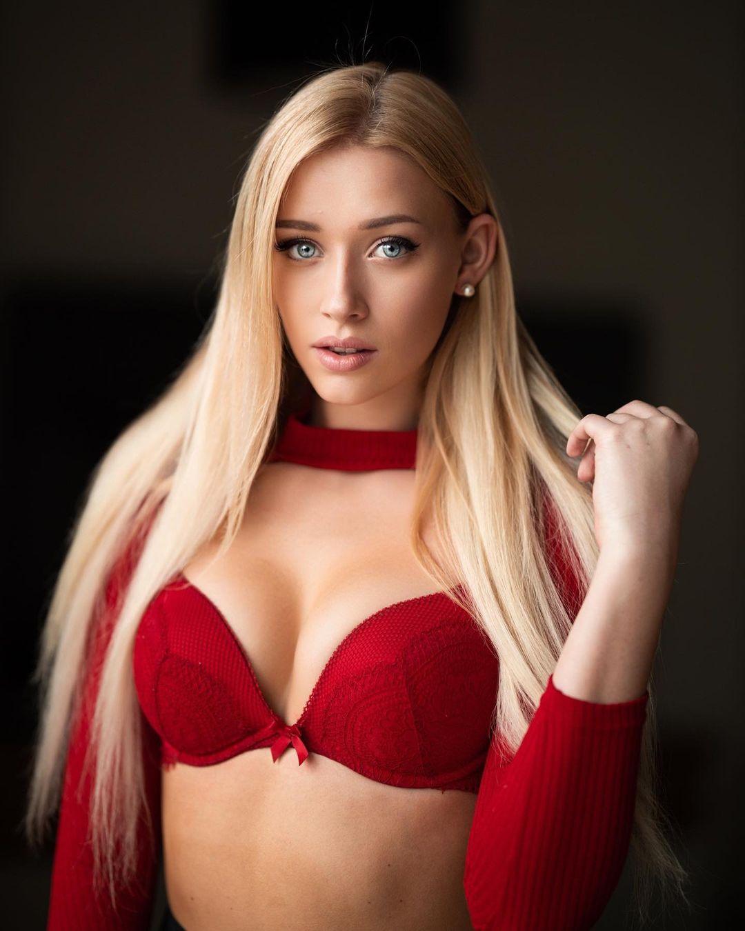 Nicole Deliah