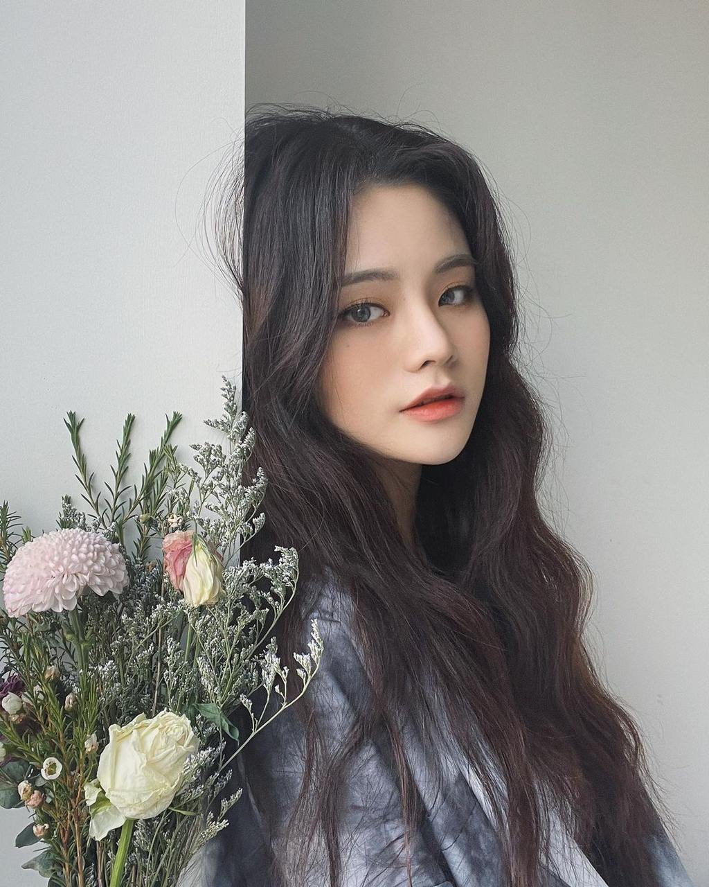 Kelly Kim (유빈)
