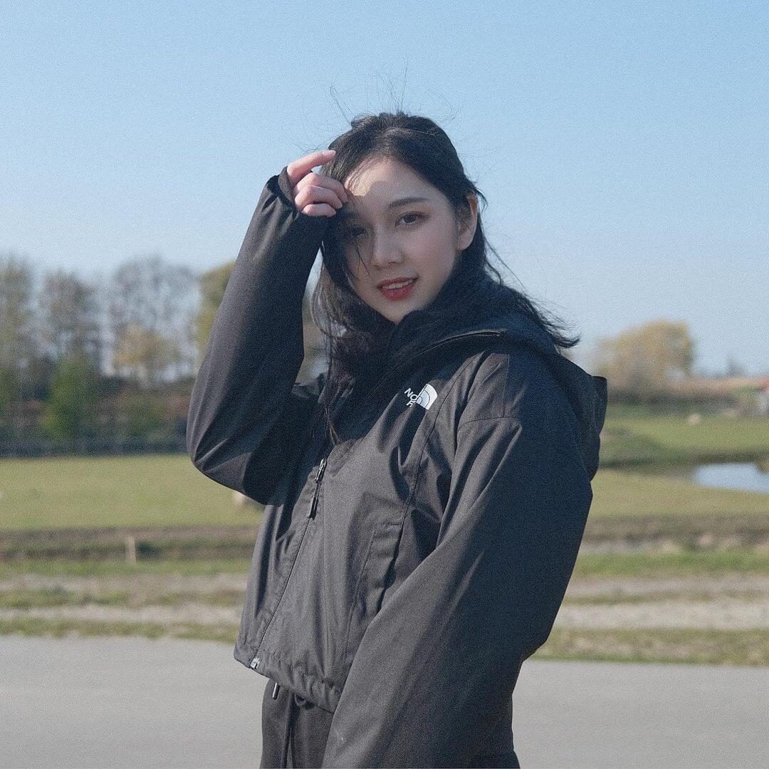 Elena Lin