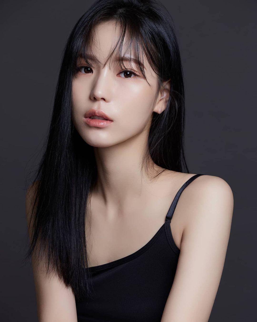 Kim Min Jung 민정 (jeoung2.2.2)