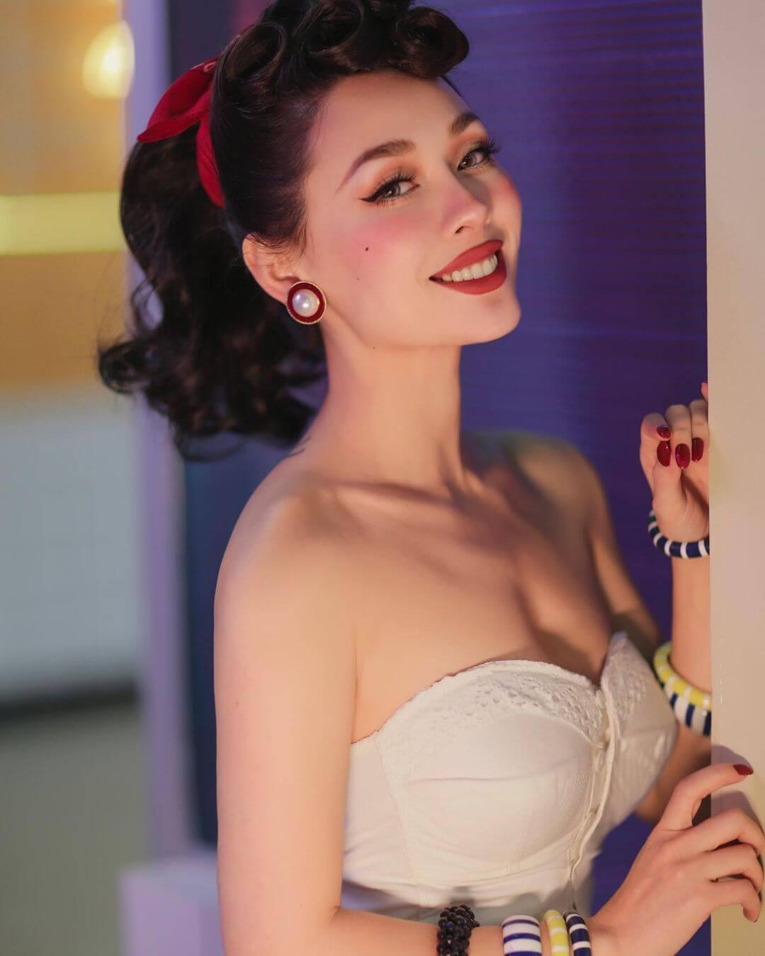 Miss Winny (唯妮)