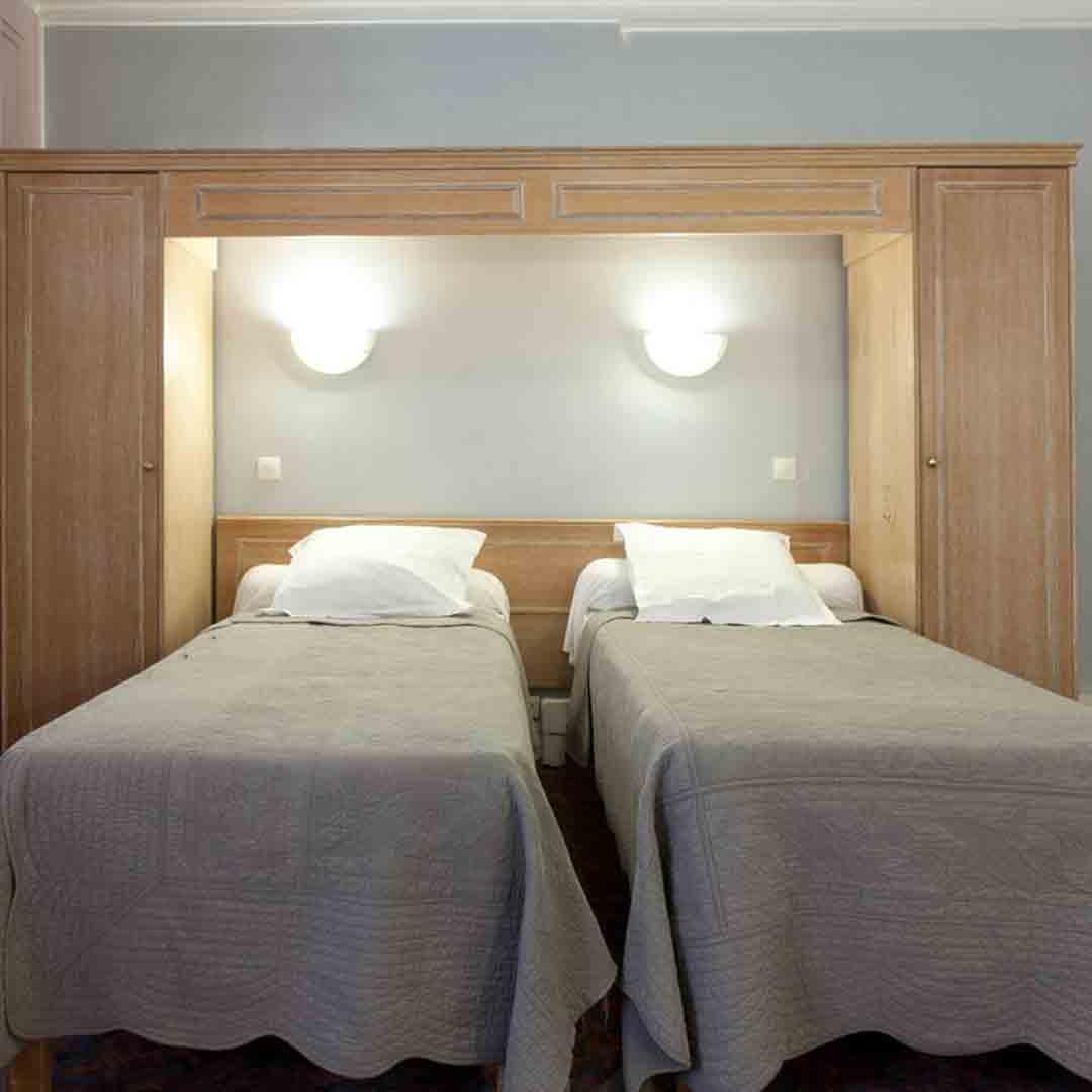 Hotel Ambassadeur Room