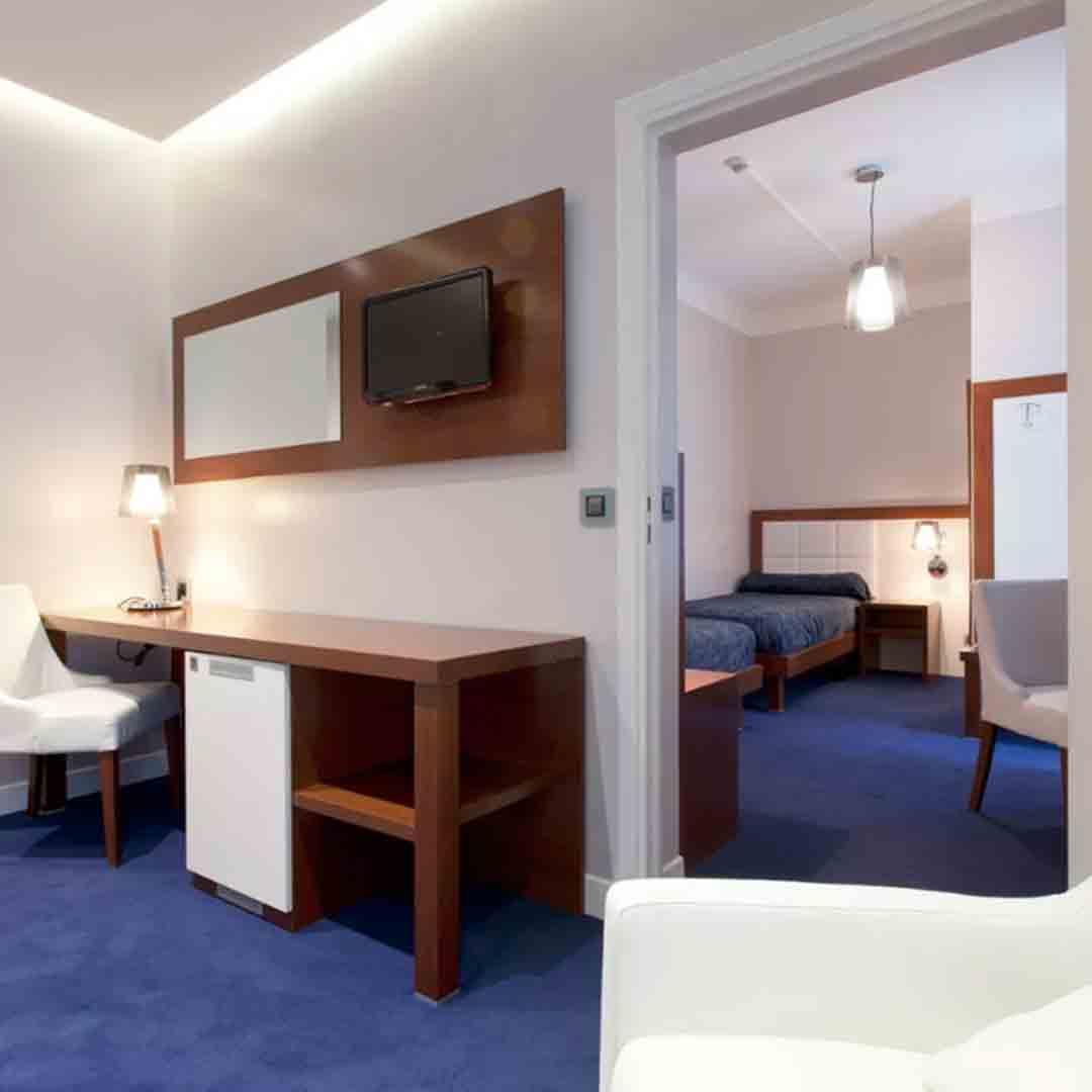 Hotel Ambassadeur Room 3