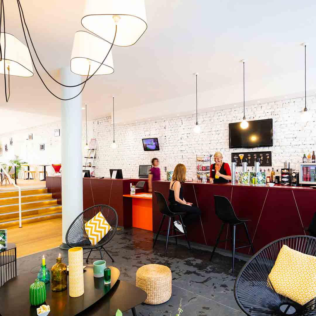 IBIS Styles Calais Bar