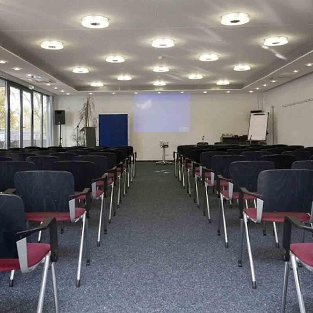 Cologne deutz DJH meeting room