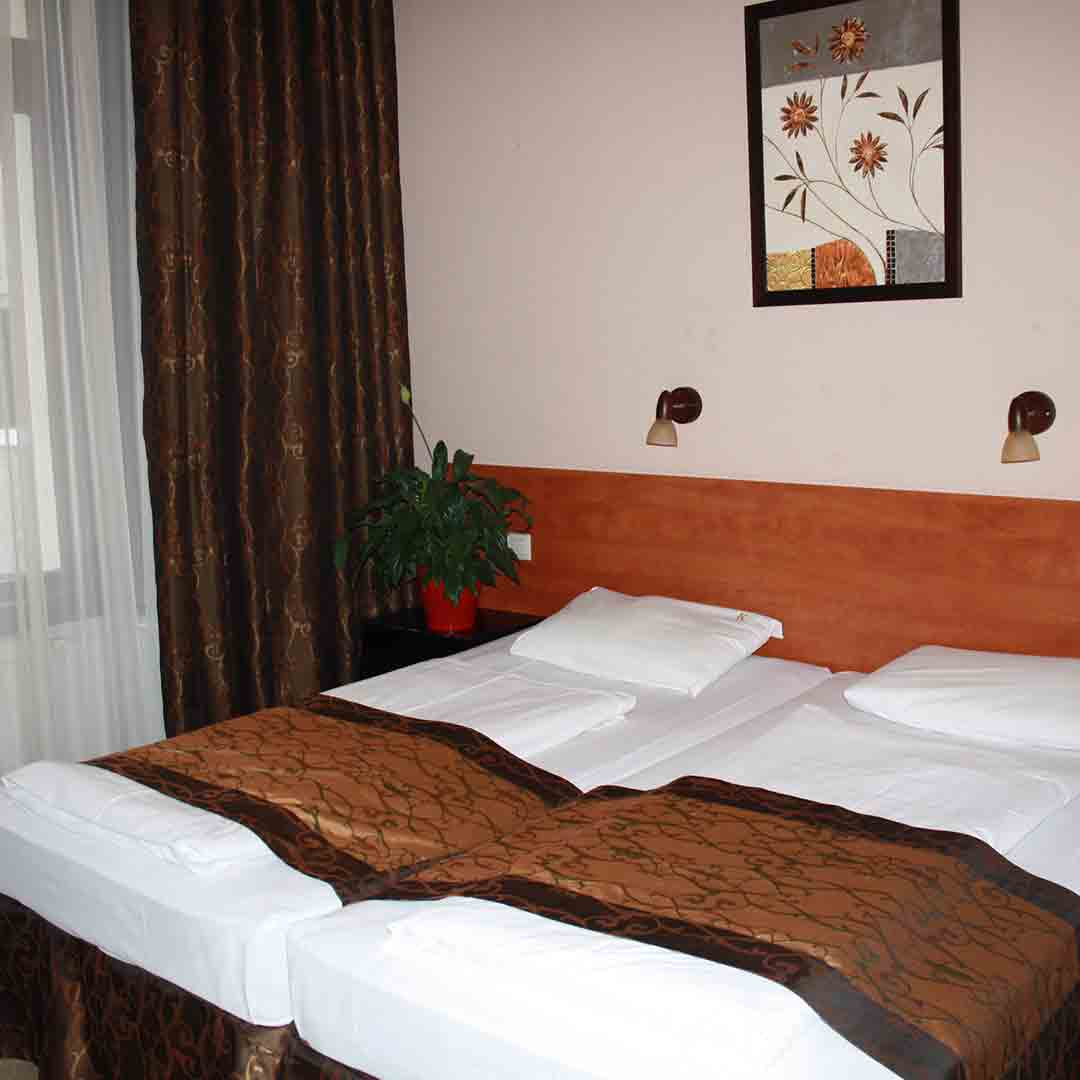Kings Hotel Budapest Room