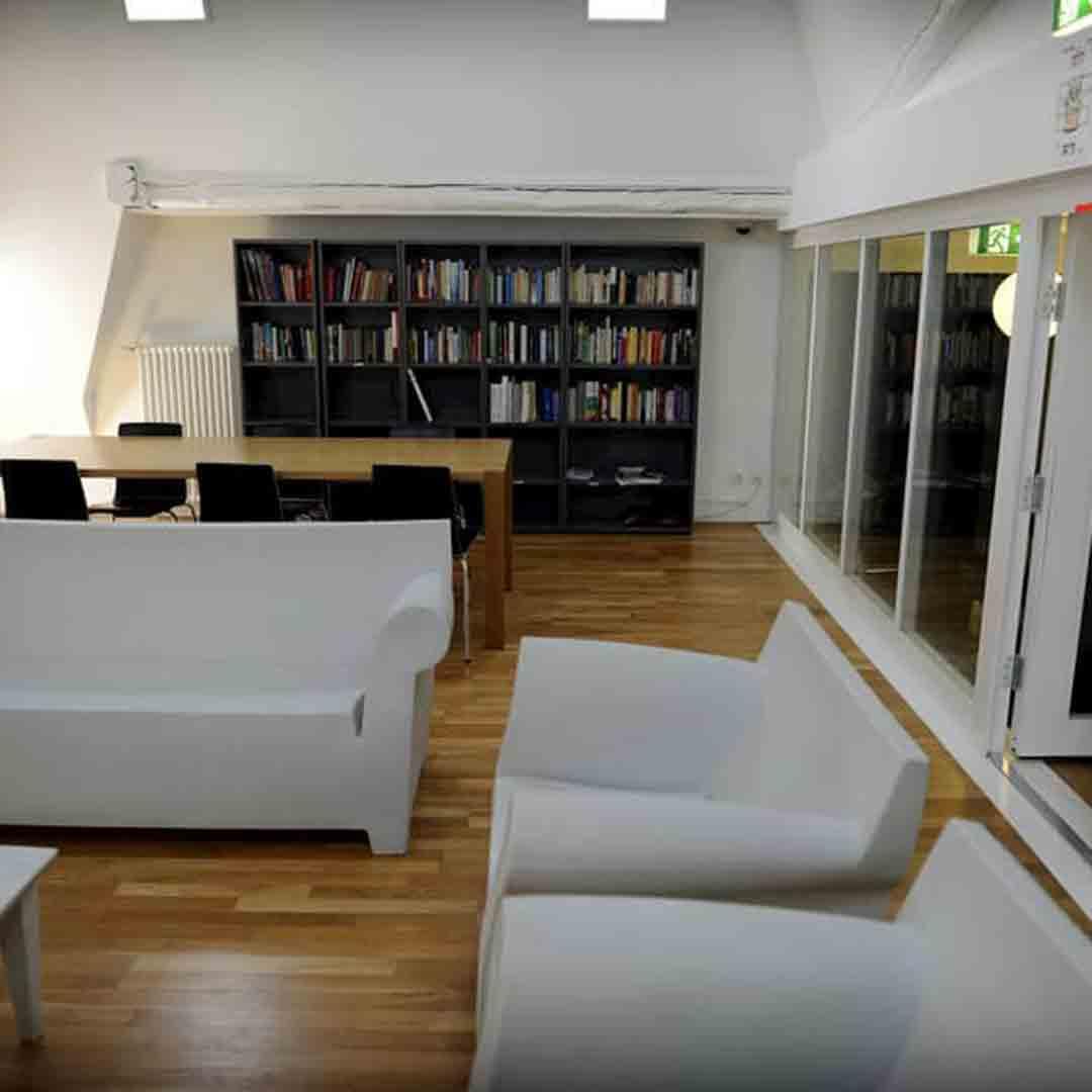 Geneva Youth Hostel Lounge