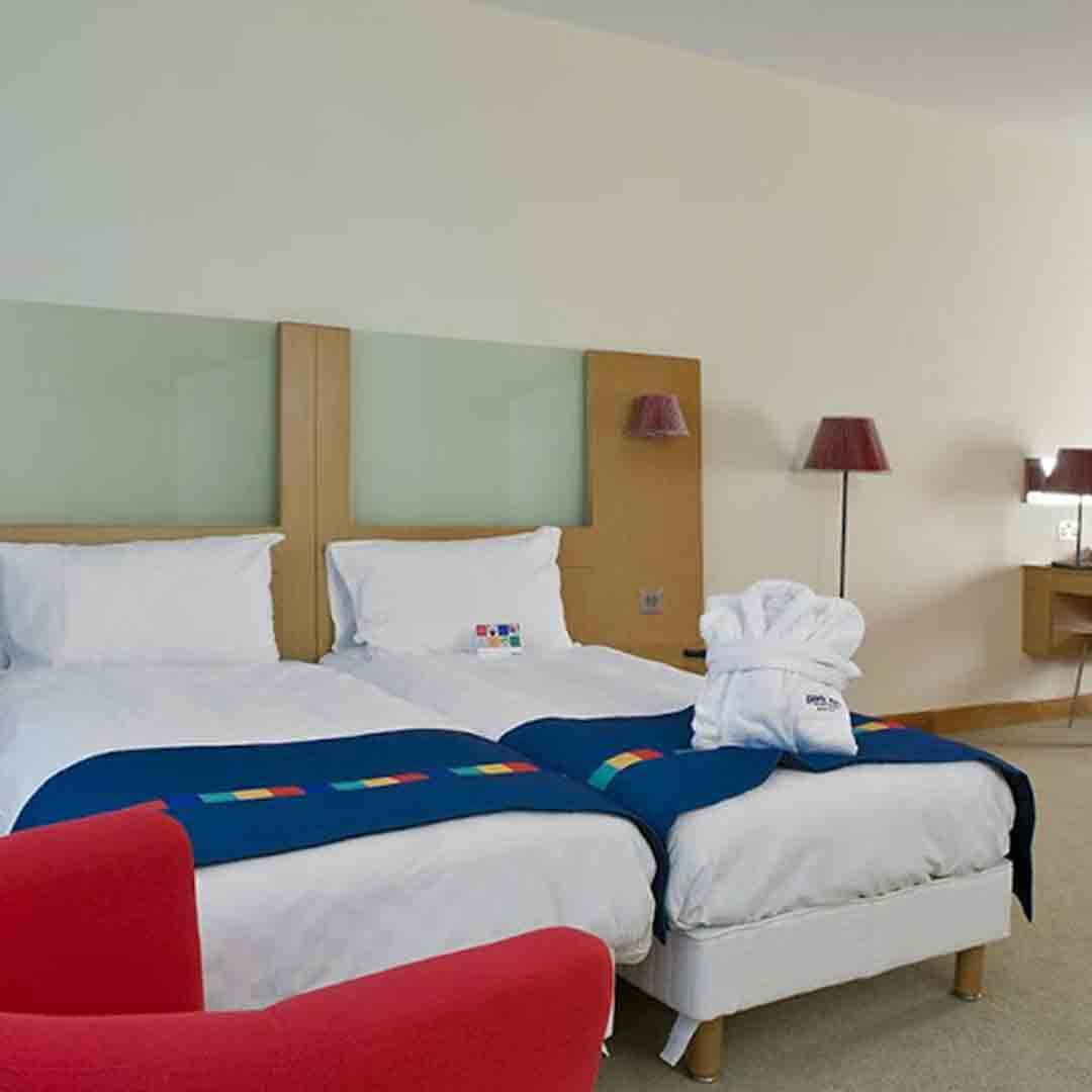 Park inn Watford Room