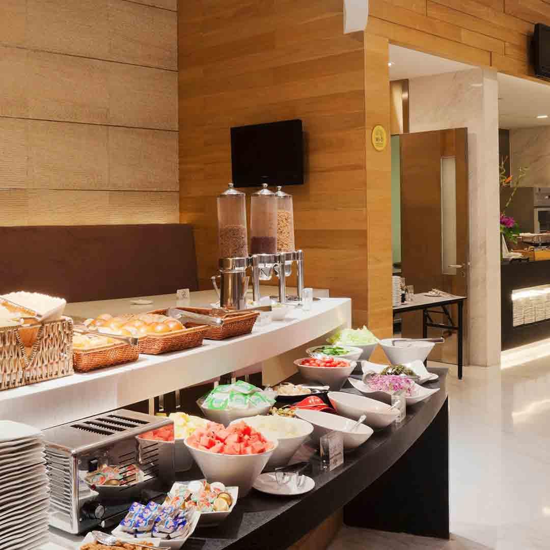 Holiday Inn Express Chengdu Breakfast