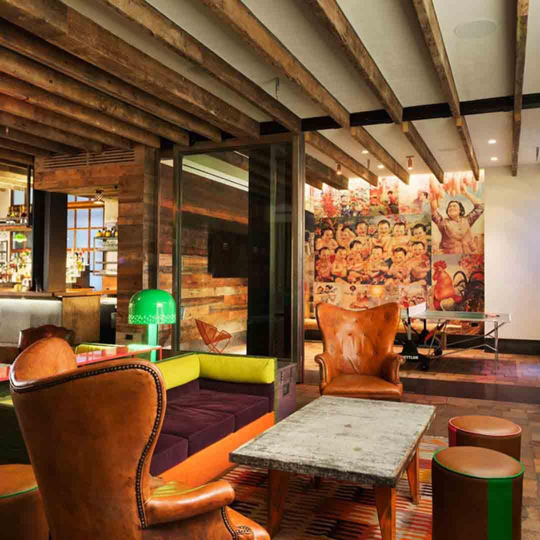 Pod  51 Hotel Lounge