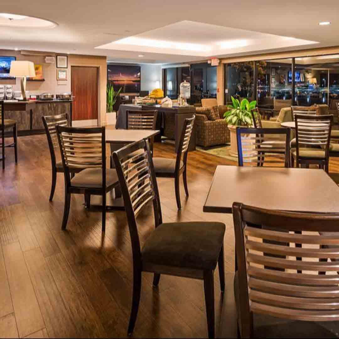 Best Western Plus Bayside Hotel Dining Room
