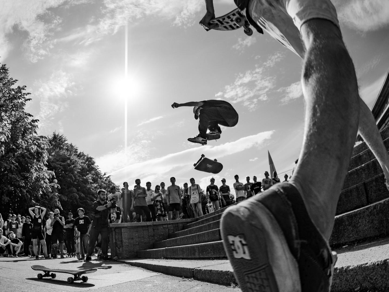Skateboarding day (optimized)