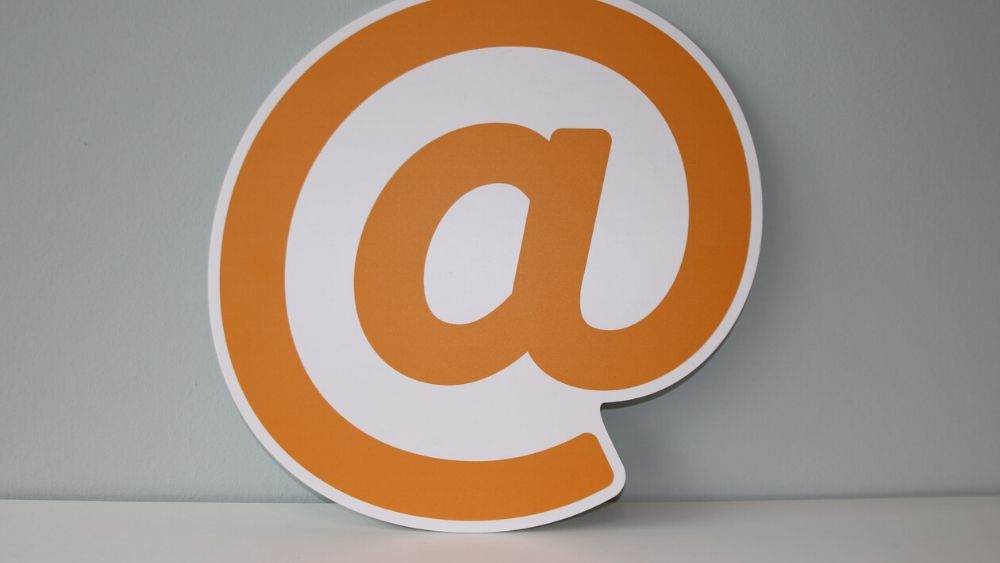 Image of an @ sign
