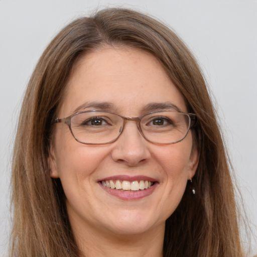 Lara Hays Profile Picture