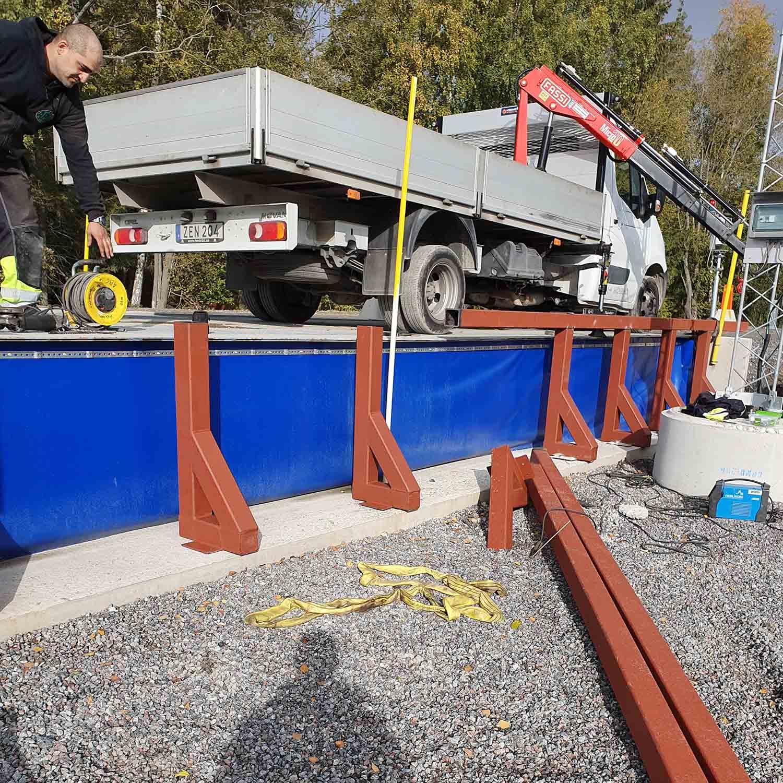 Byggprojekt lastbil och bro