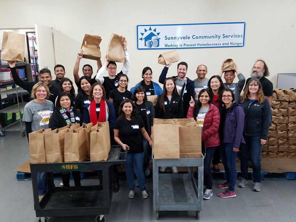 Volunteering for the homeless by the Tintri Sunnyvale, CA team