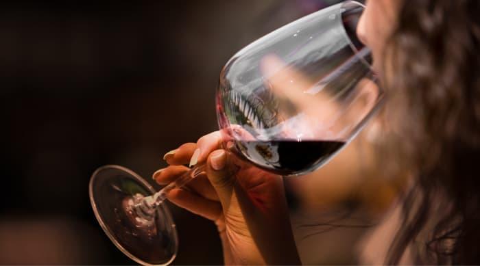 Red Wine vs White Wine: Taste Profile