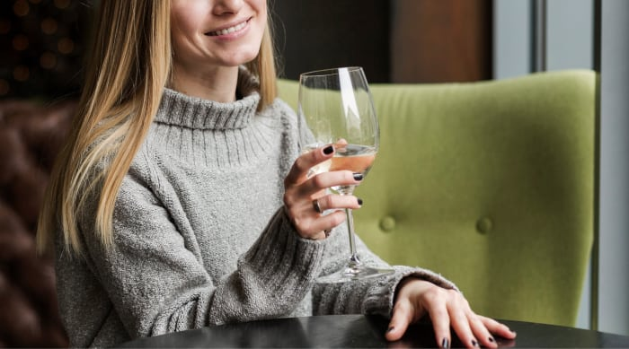 Why Should You Use a Proper Wine Glass for Serving Wine?