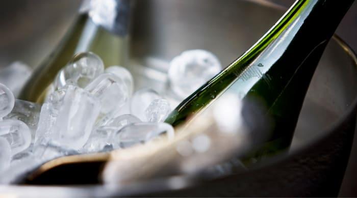 How Do You Serve White Wine?