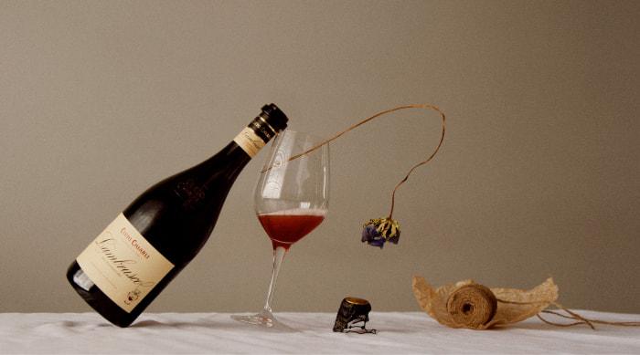 How does Lambrusco wine taste?