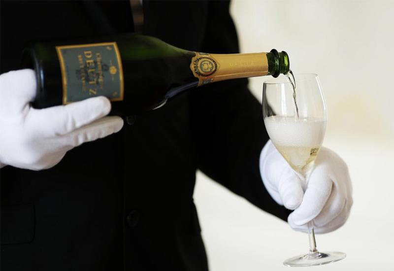 Champagne Glass pour