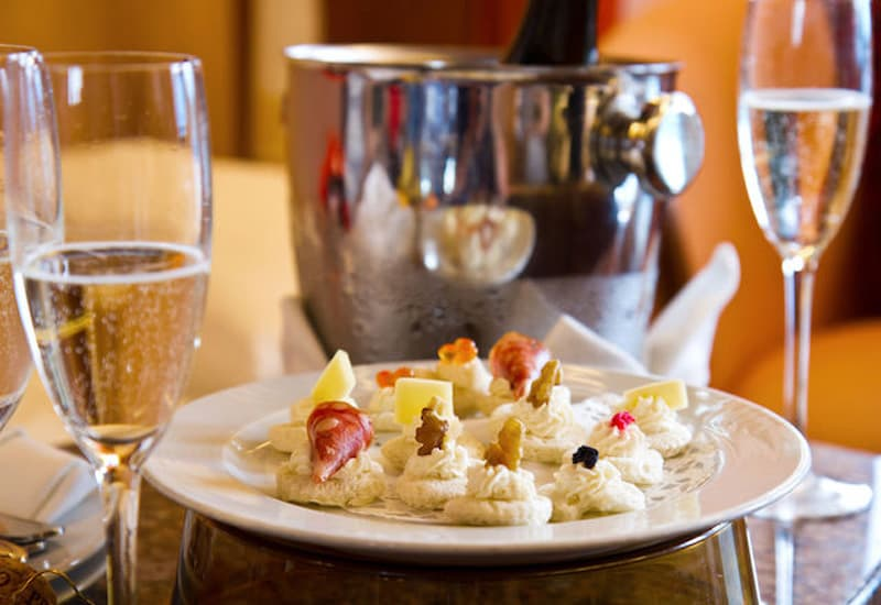 Sparkling Wine Characteristics And Food Pairings