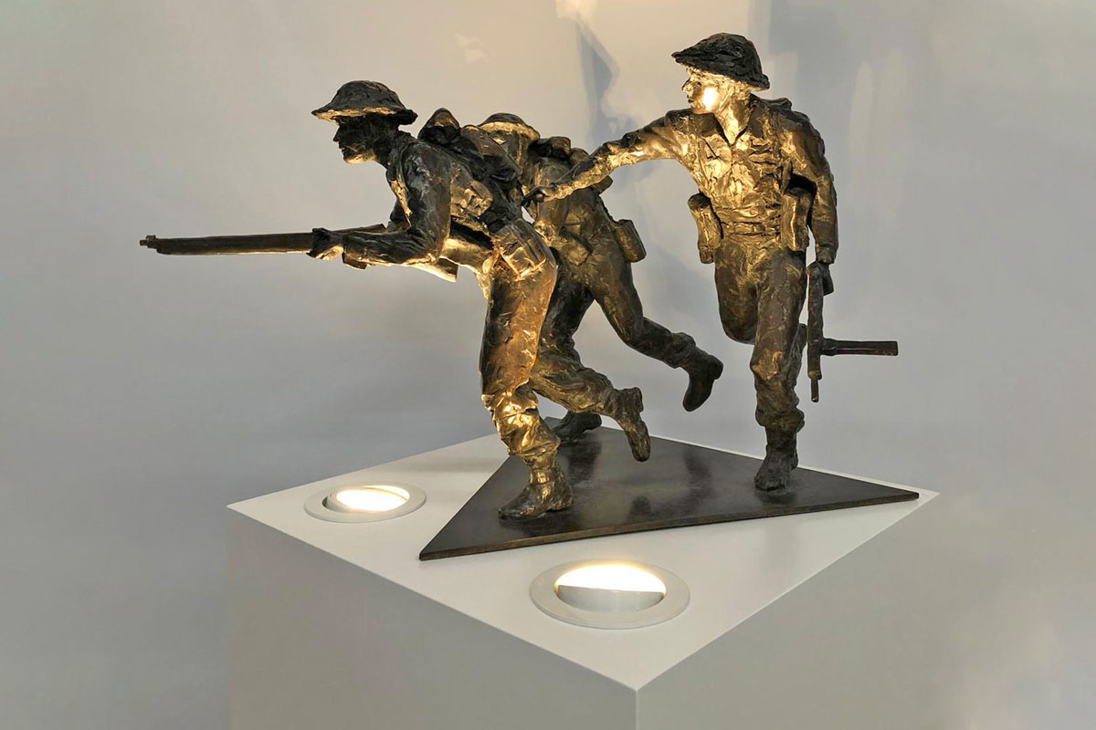 photo of a plinth housing a sculpture of WW1 soldiers