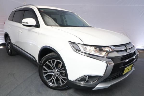 2015 Mitsubishi Outlander XLS ZK MY16 / Automatic (CVT) / Wagon / 2.0L / 4 Cylinder / Petrol / 4x2 / 4 door / Model Year '16 4