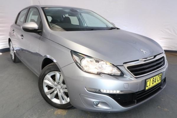 2015 Peugeot 308 ACTIVE T9 / 6 Speed Automatic / Hatchback / 1.2L / 3 Cylinder TURBO / Petrol / 4x2 / 5 door / 10