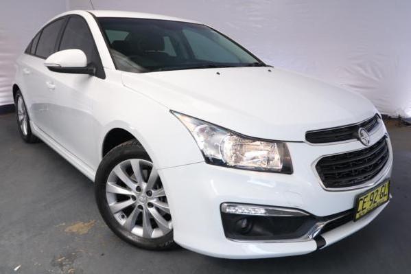 2015 Holden Cruze SRi JH MY14 / 6 Speed Automatic / Sedan / 1.6L / 4 Cylinder TURBO / Petrol / 4x2 / 4 door / Model Year '14 3