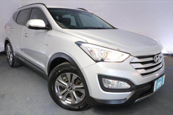 2015 Hyundai Santa Fe ACTIVE DM MY15 / 6 Speed Automatic / Wagon / 2.4L / 4 Cylinder / Petrol / 4x4 / 4 door / Model Year '15 9
