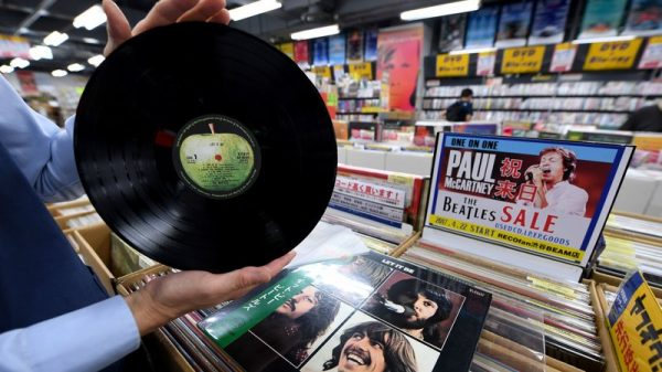 Vinyl records are still big for audiophiles, but streaming is much bigger.