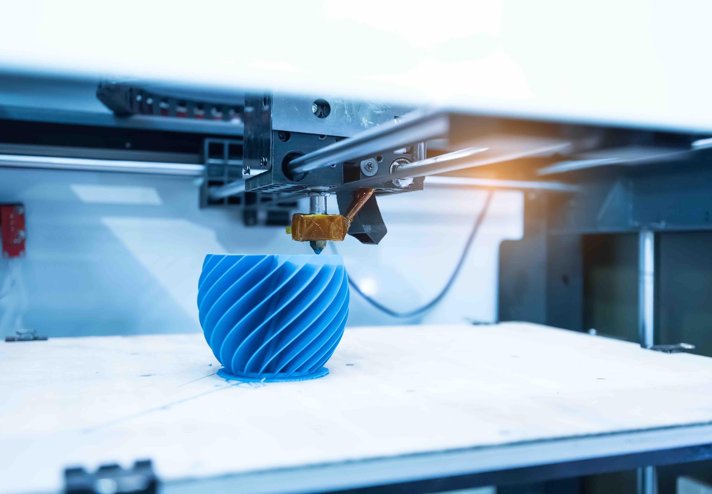 3D printer making a complex shape