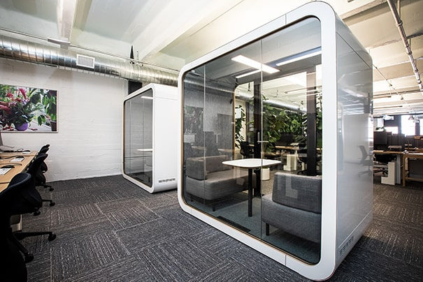 Meeting pod with shared workspace