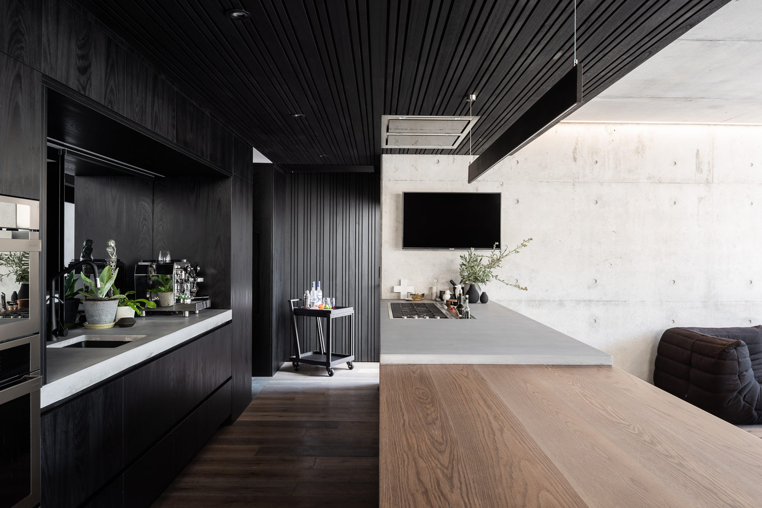 Schweigen rangehood featured in Marcus Browne Architecture