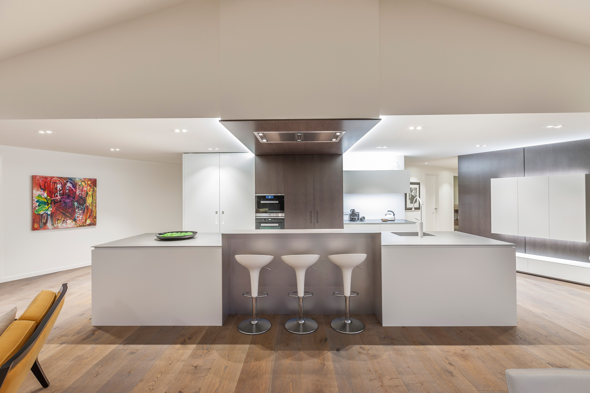 The beauty and understated grandeur is yet another masterclass in design by international award-winning kitchen designer Celia Visser.