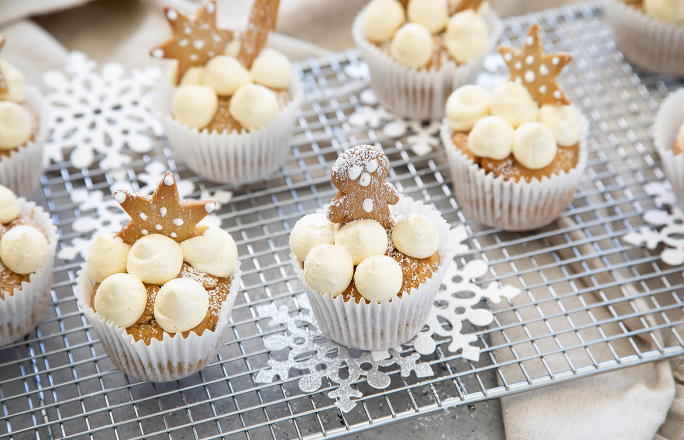 Gingerbread Cupcakes with Cinnamon Latte Icing