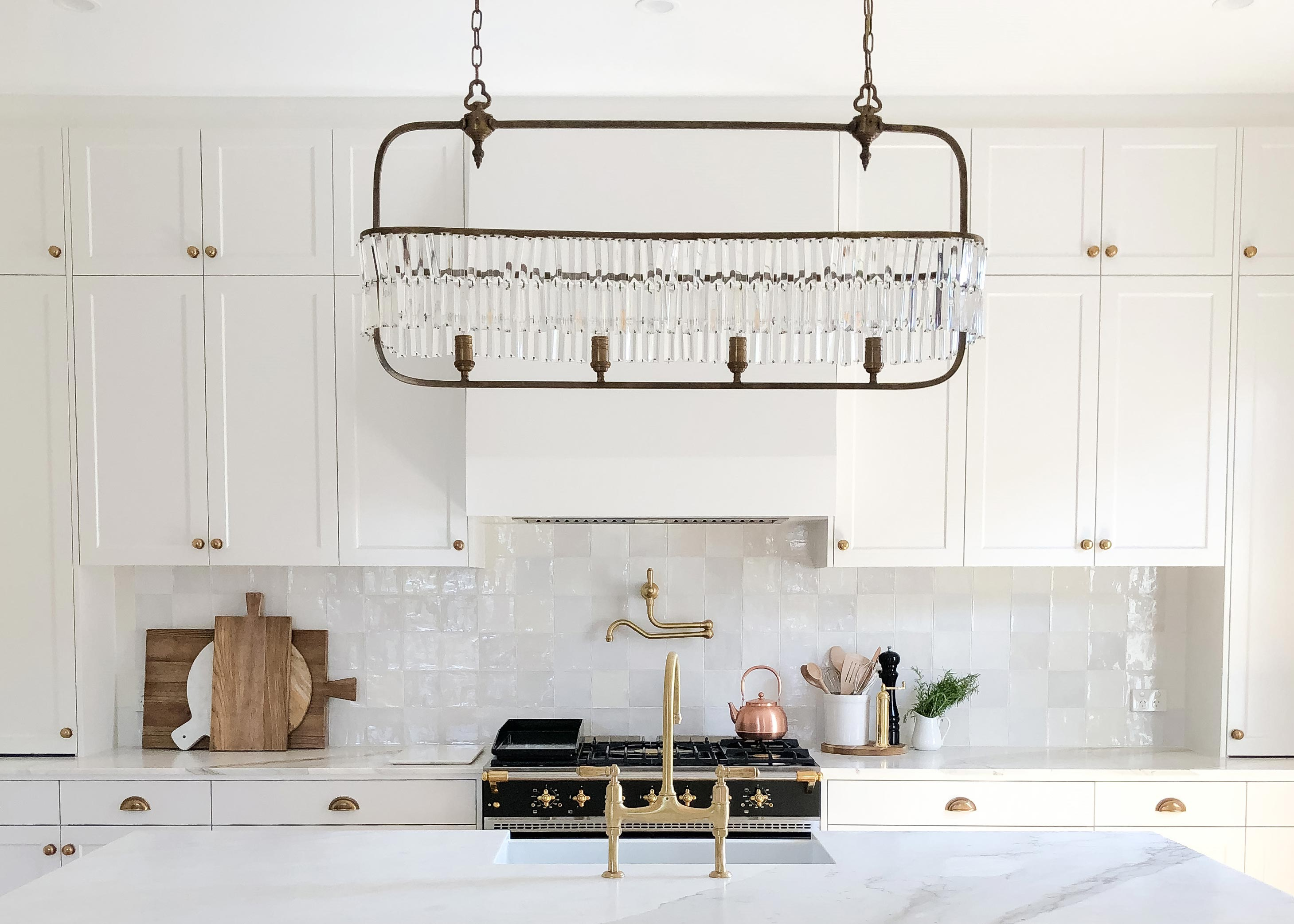 Carla Salsone has renovated their spectacular 1920s period home. Incorporating lots of brass and marble details gives this kitchen a luxurious feel. The UM-9S sits proudly above the gas cooktop. Unseen and unheard, simply perfect.