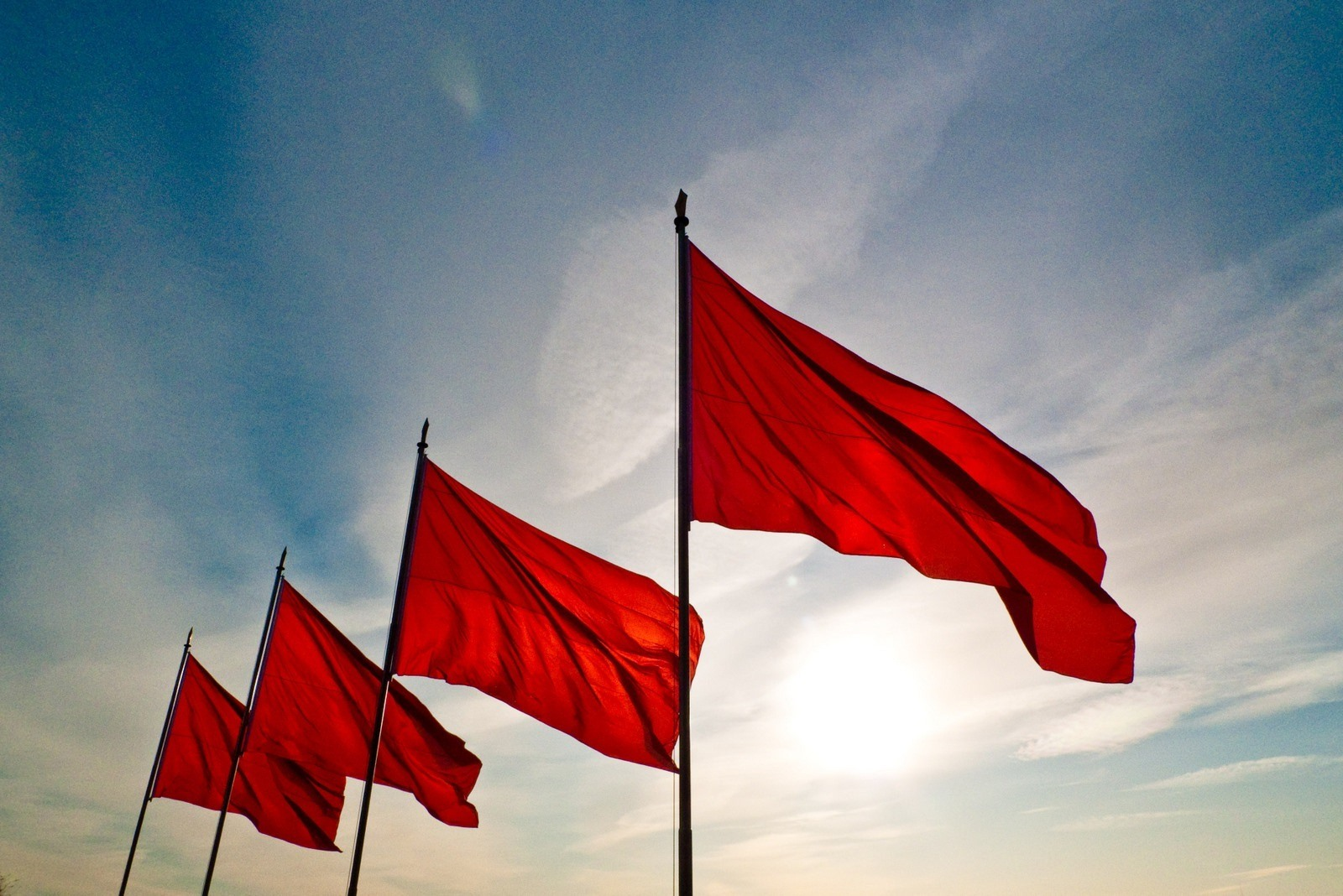 4 Red Flags to Avoid When Choosing a Cleaning Company For Your Office
