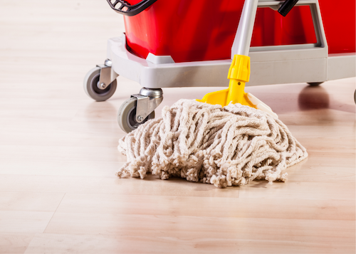 string mop cleaning hard wood floor