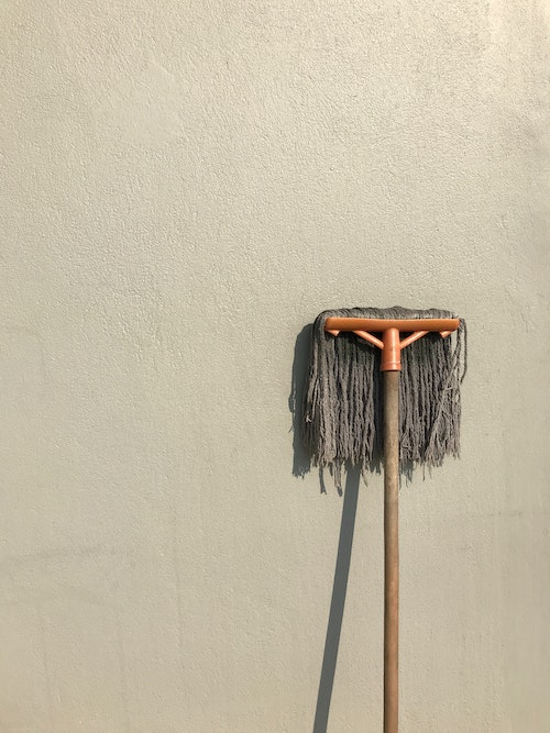Mopping: How To Mop A Floor Correctly