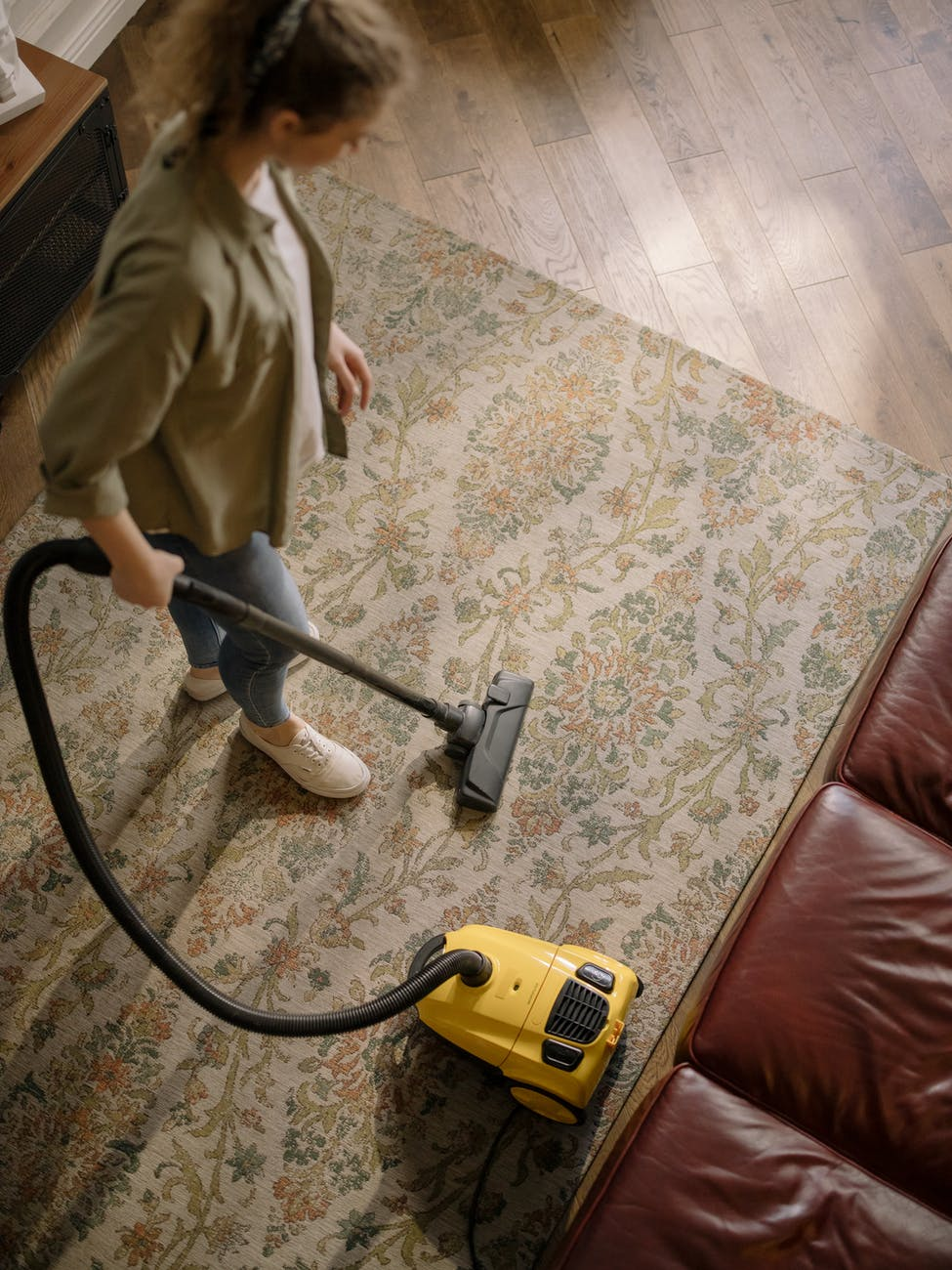 5 Best Canister Vacuums For Hardwood Floors