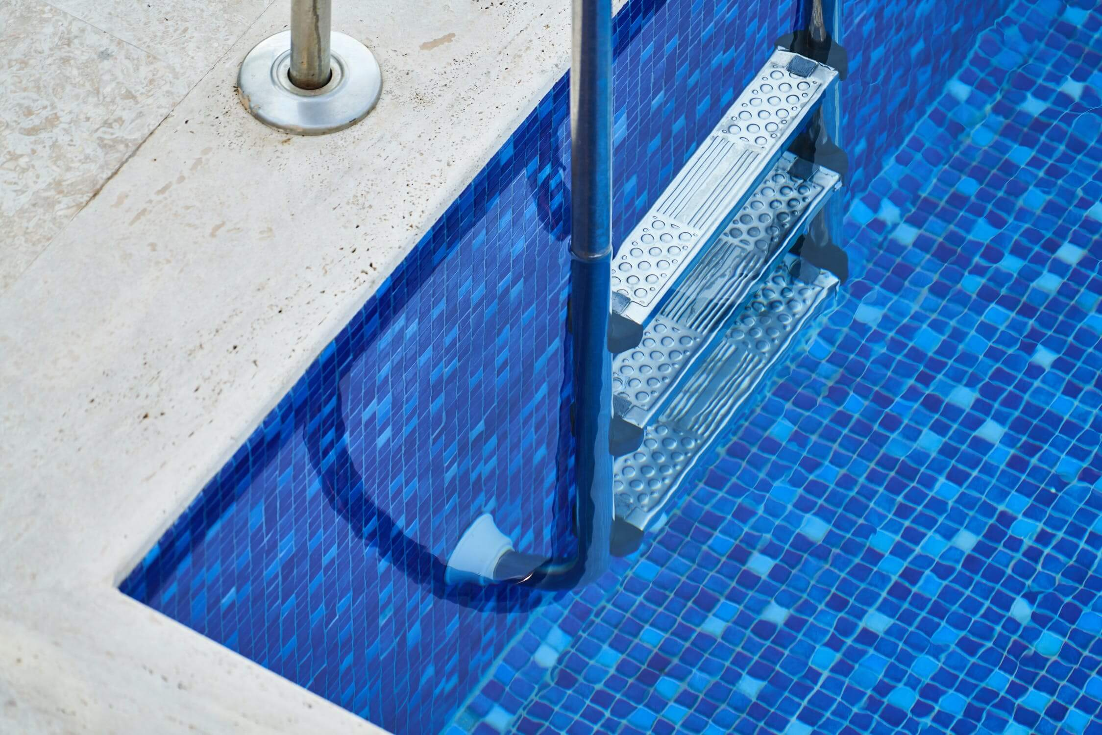 5 Best Aquabot Pool Cleaners in 2021