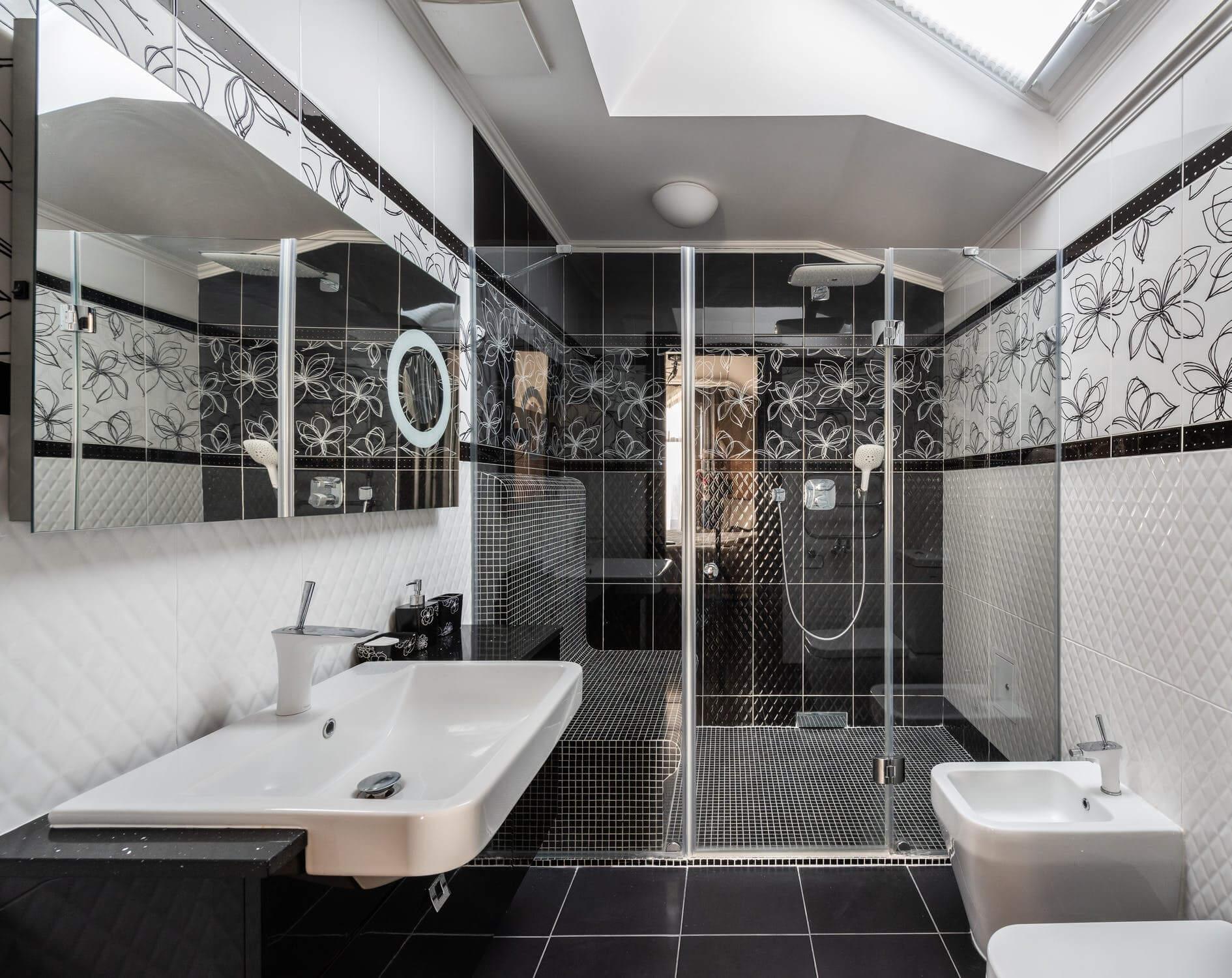 glass bathroom shower doors