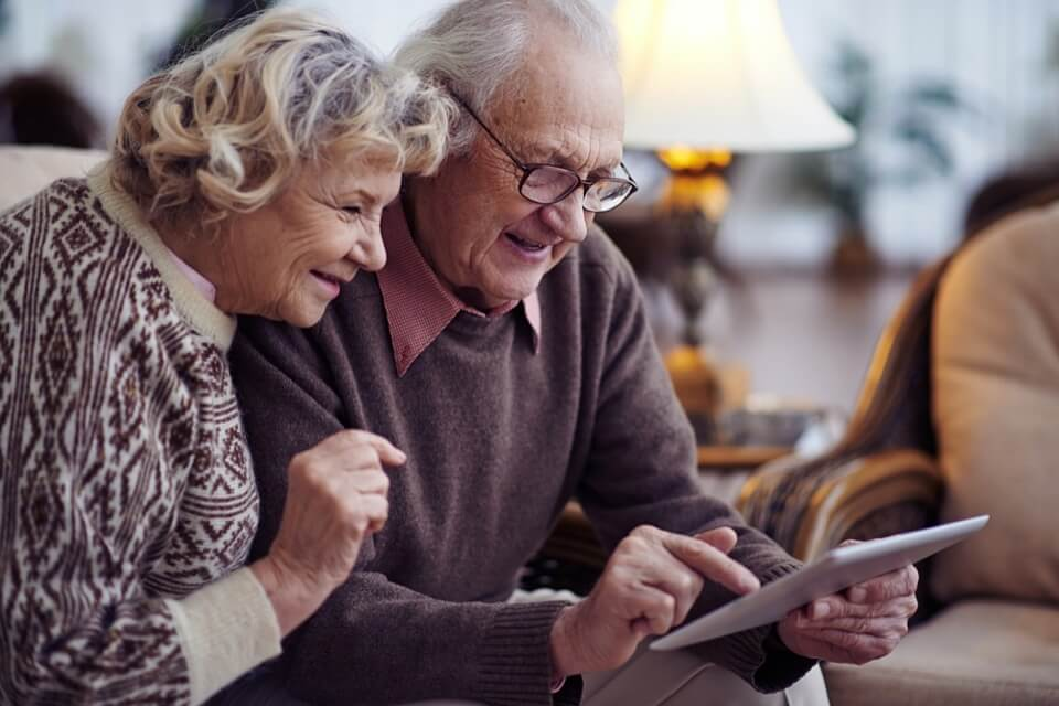 Tools and resources that help seniors reduce loneliness and isolation